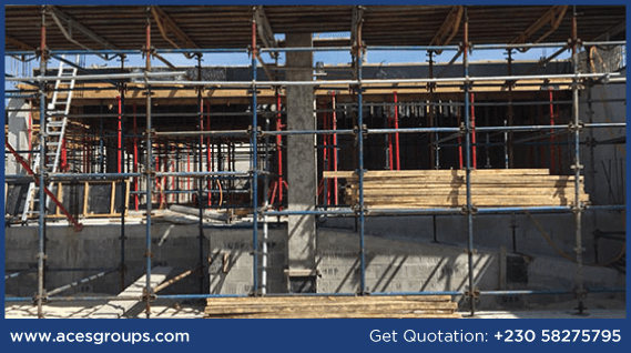 scaffolding-at-central-faclities-decking