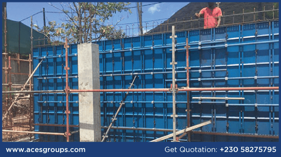 scaffolding-services-in-retaining-wall-at-tamarin